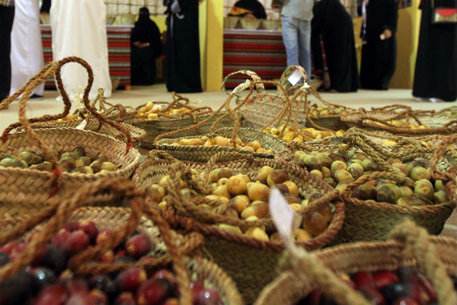 Liwa date festival