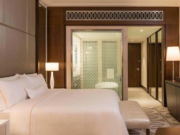 westin-bedroom-bed