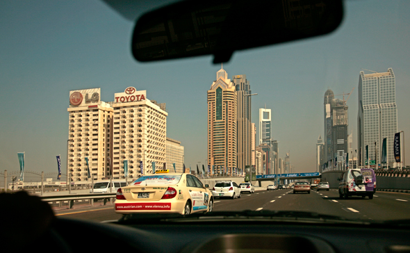 dubai-road-sheikh-zayed-road