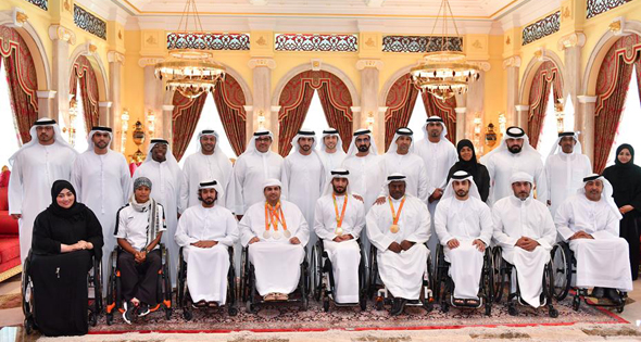 sheikh-mohammed-with-the-team