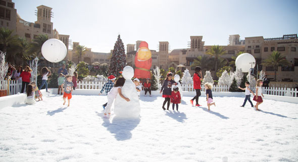 Snow-fight-zone-at-the-North-Pole-themed-Festive-Market