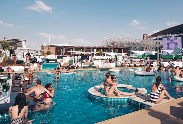 A Guide To Dubai S Best Beach Clubs What S On Dubai