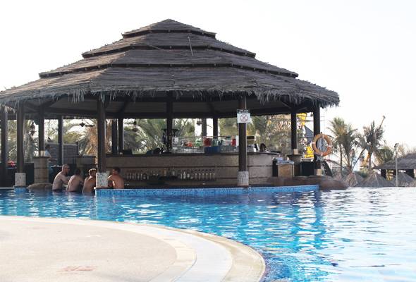 18 of the best swim-up pool bars to try in Dubai - What\'s On ...