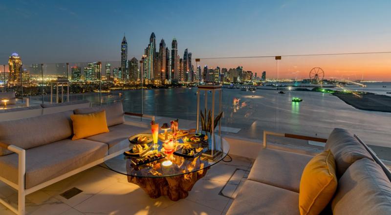Penthouse outdoor terrace Dubai