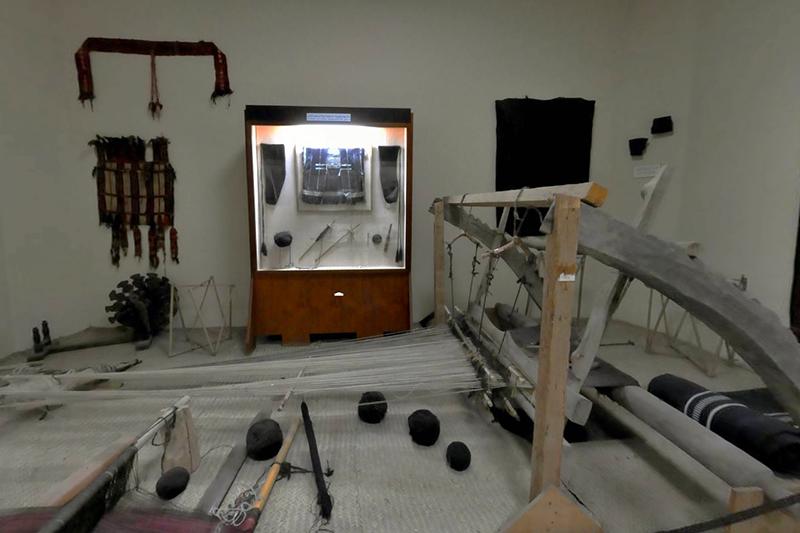 Al Ain Palace Museum weaving loom