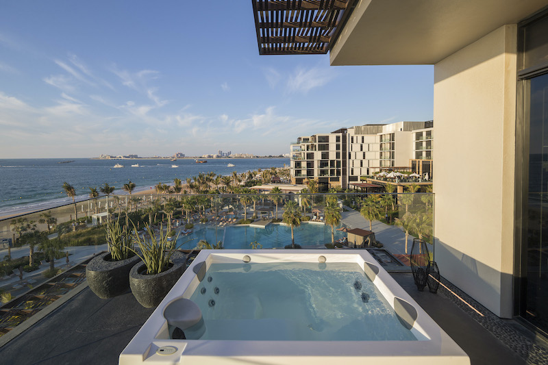 Caesars Palace Bluewaters Dubai - Presidential Suite Jacuzzi
