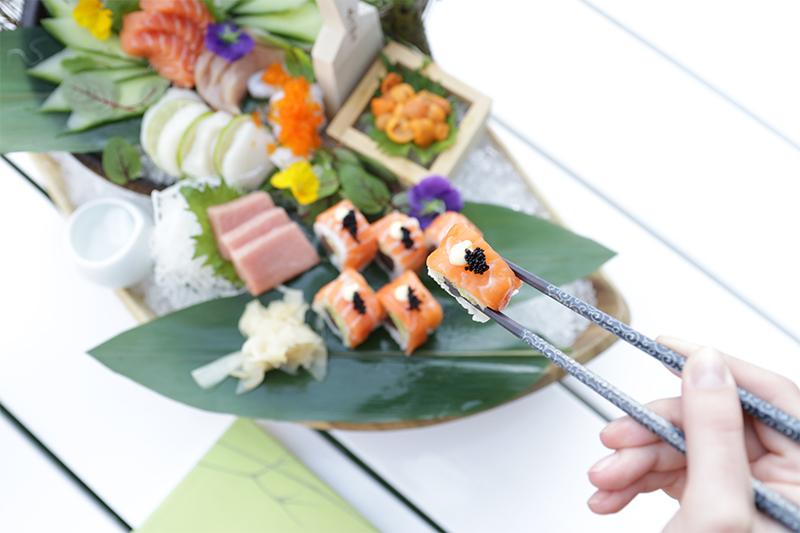 Sushi and bubbles Izakaya