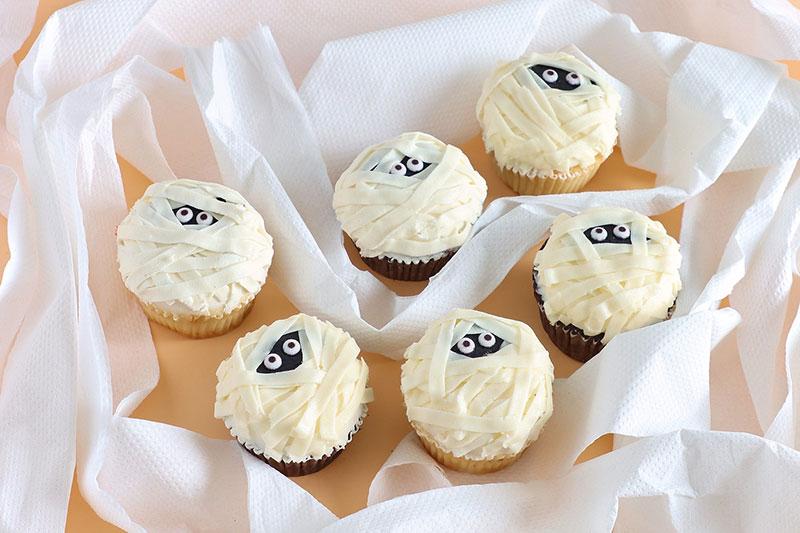Magnolia Mummy Cupcakes