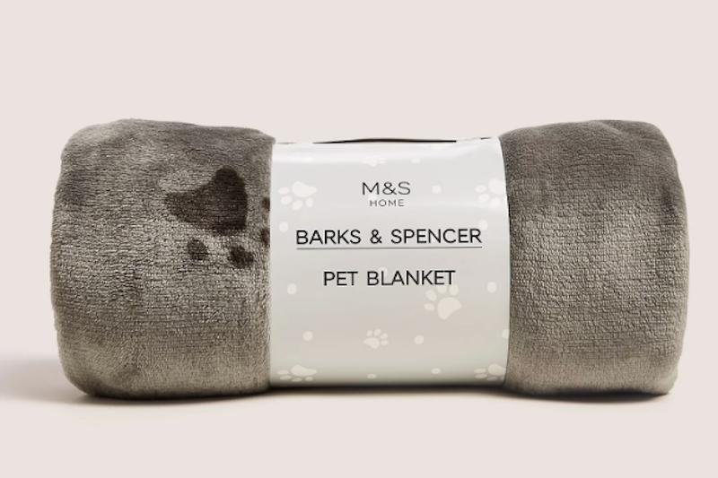 Marks and Spencer pet blanket