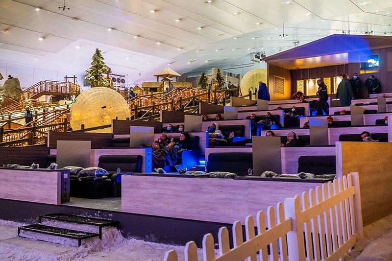 Ski Dubai snow cinema
