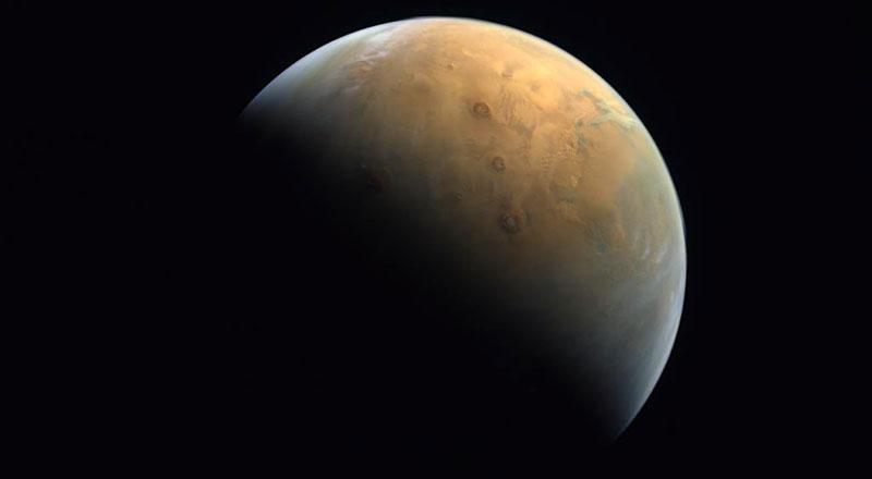 hope probe mars photo