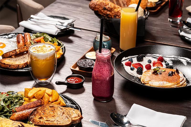 Farzi Cafe breakfast