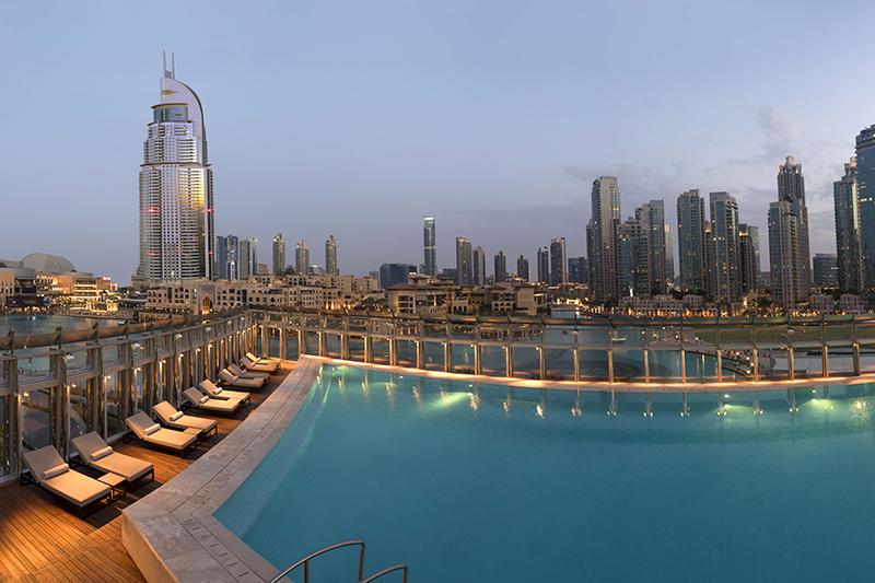 breakfast-and-pool-burj-club