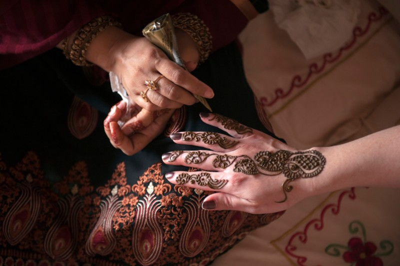henna - things to do in abu dhabi mall
