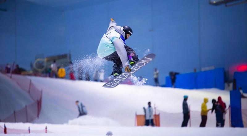 ski-dubai-gents-night-